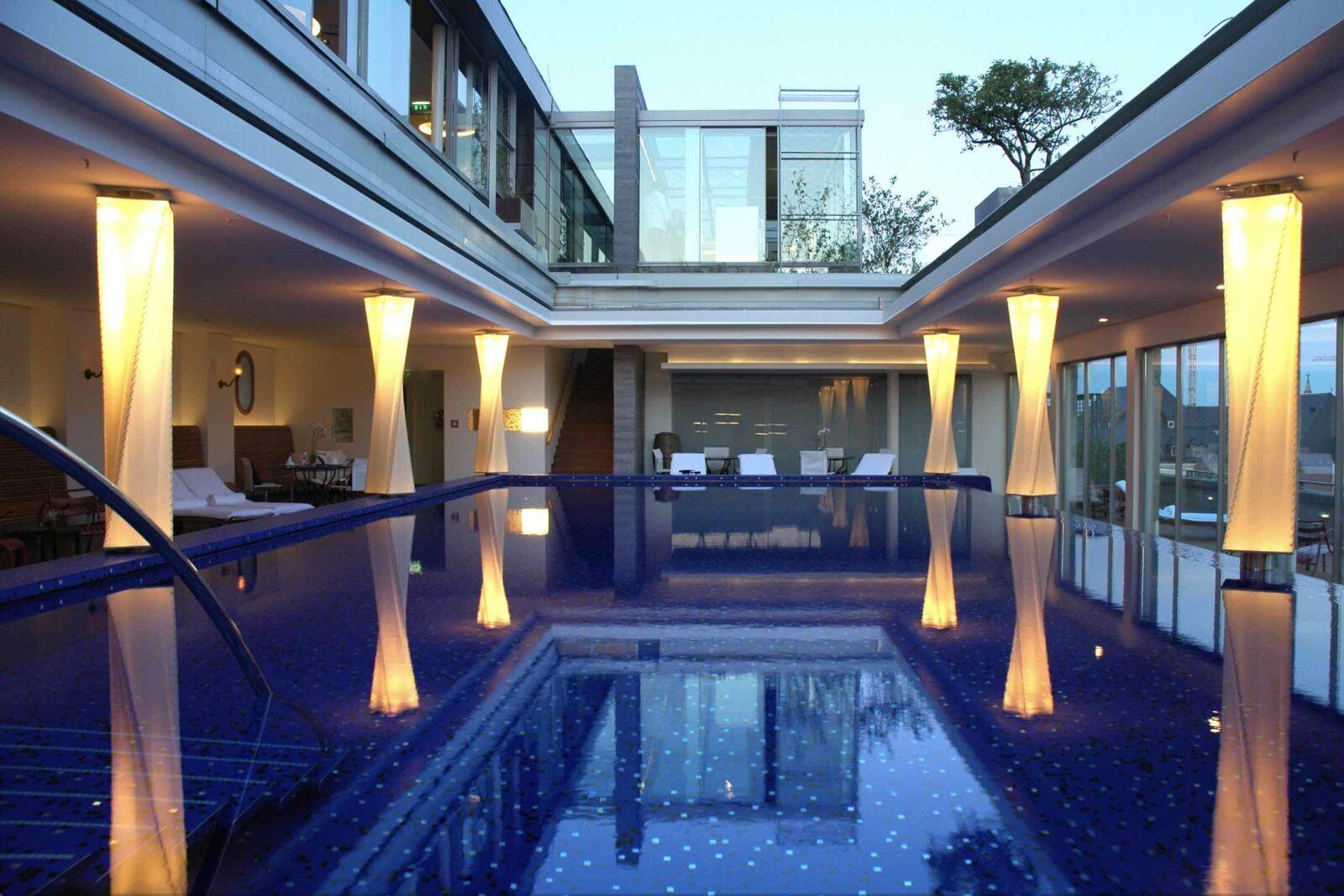 Blue Spa_Pool_Seitenansicht Blue Spa Munich