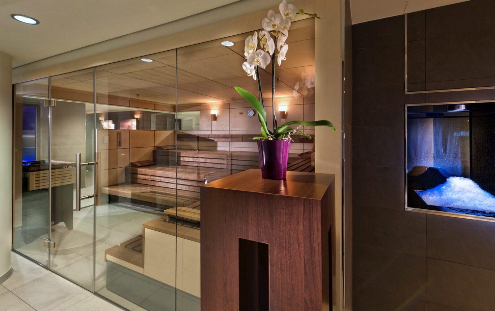 estrel-hotel-wellness-finnische-sauna-luxury spa hotels in Berlin